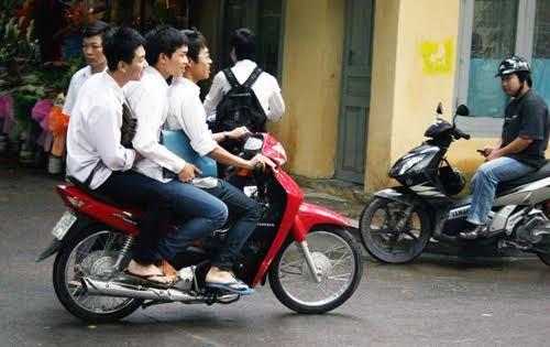 xe máy, bằng lái xe, giấy phép lái xe, độ tuổi đi xe máy