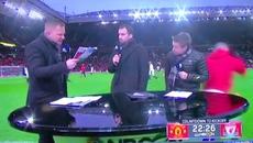 Rooney cứu phóng viên ngay trước trận tiếp Liverpool