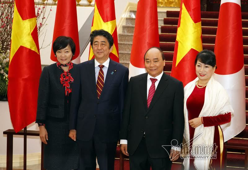 Thủ tướng đón, hội đàm với Thủ tướng Nhật Bản