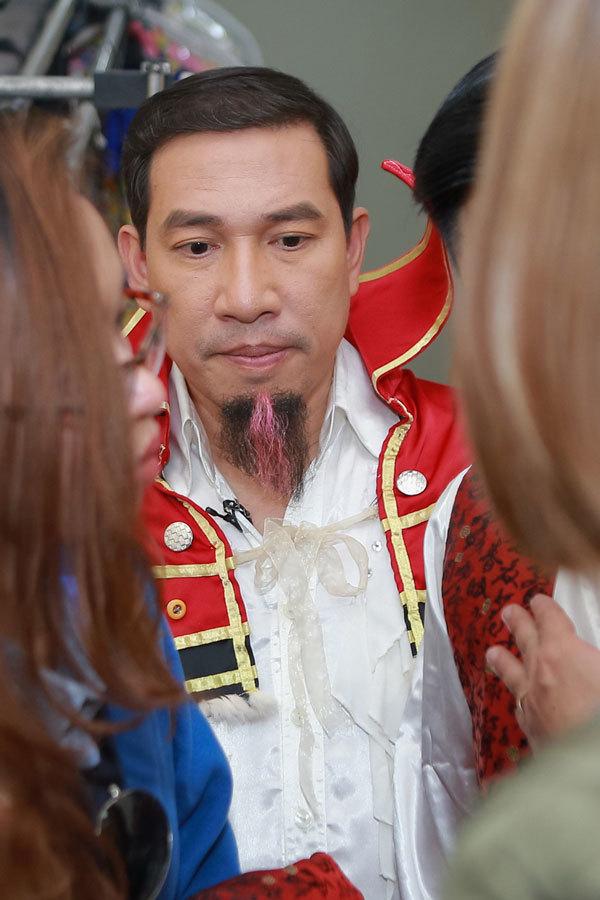 Quốc Khánh không thể cười, Chí Trung tự kỷ ở hậu trường Táo quân - Ảnh 3.