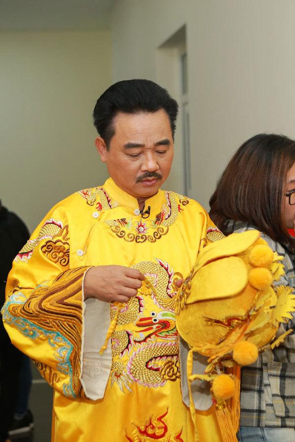 Quốc Khánh không thể cười, Chí Trung tự kỷ ở hậu trường Táo quân - Ảnh 2.