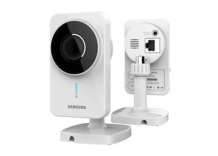 """Webcam thông minh thành """"tay sai"""" của tin tặc"""