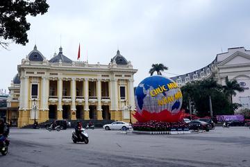 Gộp Tết cũng chẳng giúp được người Việt thay đổi nếu…