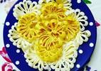 Cách làm mứt dừa hình hoa cúc đón Tết