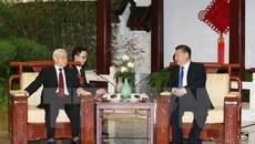 Lãnh đạo Việt - Trung trao đổi điện mừng