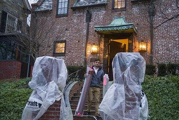 Gia đình Obama chuyển đồ đến nhà mới
