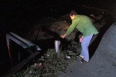Cả gia đình 5 người thương vong khi xe tải tông lan can bên đường