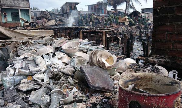 Hiện trường vụ cháy thiêu rụi 71 căn nhà tại Nha Trang