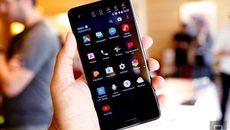 HTC ra smartphone U Ultra 2 màn hình, tích hợp trí tuệ nhân tạo