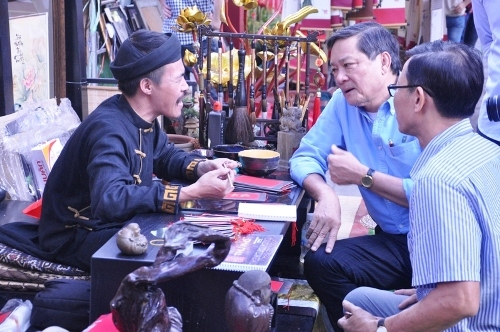 Nhộn nhịp Tết xưa giữa Sài Gòn hiện đại