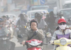 Không khí ô nhiễm nặng, đeo khẩu trang chẳng để làm gì