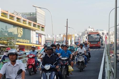 Thông xe cầu vượt 400 tỷ, xóa 'điểm đen' ùn tắc giao thông ở Sài Gòn