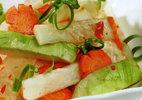 Cách làm su hào, cà rốt muối xổi ngon miễn chê