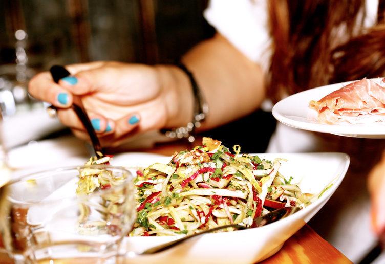 bí quyết giảm cân, ăn uống ngày Tết, tập thể dục, calo, bánh chưng