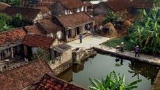 Bệ đỡ và chốn nghỉ của người Việt mỗi lúc gian lao