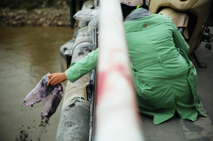 23 tháng chạp,cúng Táo quân,ông Công ông Táo,thả cá chép,túi nilon