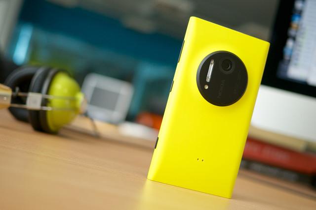 Biến Nokia 1020 thành kính hiển vi cứu mạng người