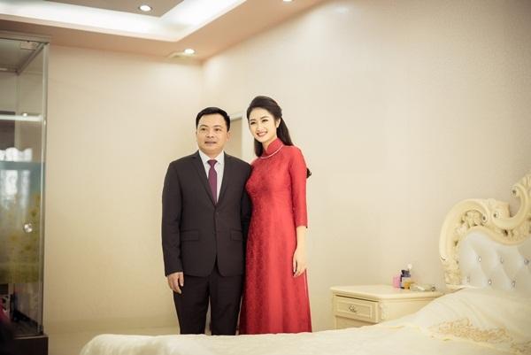 Ngắm vẻ đẹp cô vợ Hoa hậu của bầu Phương
