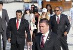 Con gái Obama đi tắm biển trong 'vòng vây' của mật vụ