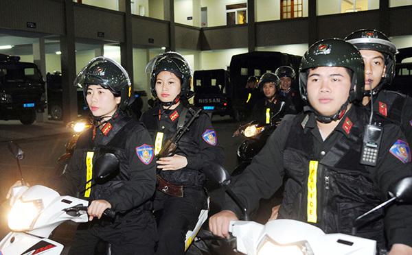 Tiểu đội nữ Cảnh sát đặc nhiệm đầu tiên của Thủ đô