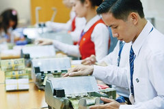 Sát Tết dồn dập tăng lãi suất: Ôm tiền mặt lại sướng