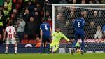Stoke 1-0 MU: Quỷ đỏ phung phí cơ hội (H2)