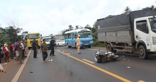 Xe VP UBND tỉnh Đắk Lắk gây tai nạn, hai cô giáo tử vong