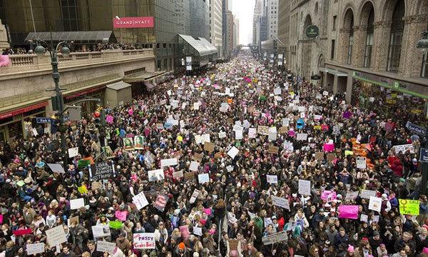 Tổng thống Trump, tuần hành, phản đối, nữ quyền