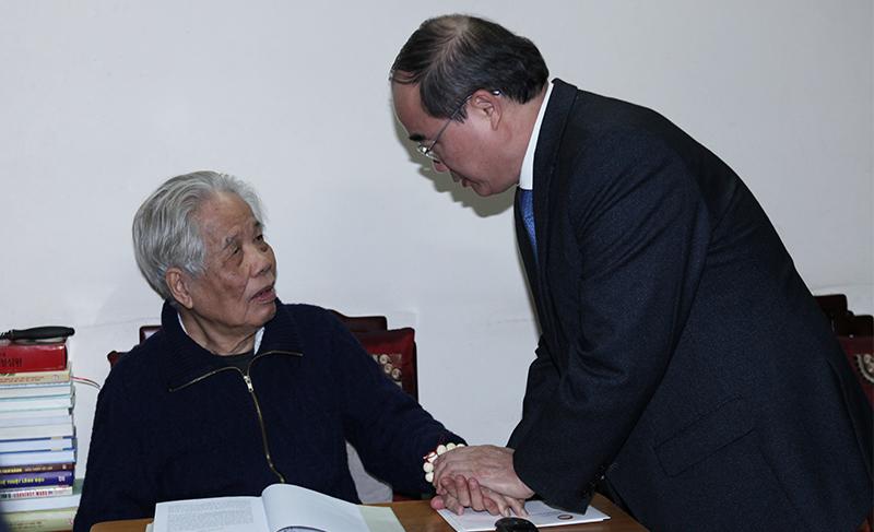 Chủ tịch MTTQ hứa học chữ 'độ' của nguyên Tổng bí thư