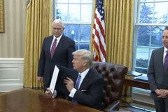 Trump chính thức ký sắc lệnh rút khỏi TPP