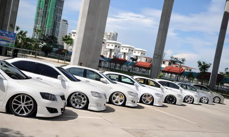 Ô tô giảm giá 150 triệu: Gom tiền chờ mua xe giá rẻ