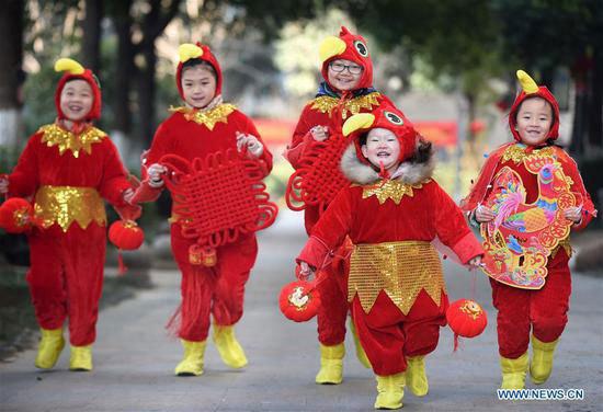 Không khí rộn ràng những ngày giáp Tết tại Trung Quốc
