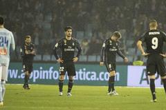 Ronaldo tỏa sáng, Real vẫn vỡ mộng ăn ba