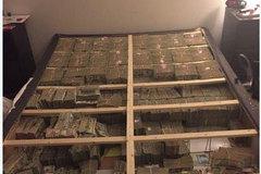 Giấu hơn 400 tỷ đồng tiền lừa đảo đa cấp dưới giường ngủ