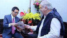 Phó Thủ tướng chúc Tết các văn nghệ sĩ, nhà khoa học