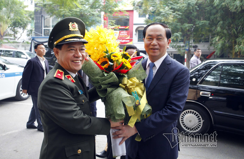 Chủ tịch nước chúc Tết lực lượng CSGT Thủ đô