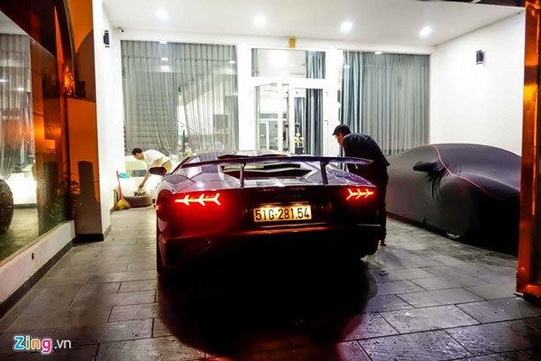 """Đại gia Minh Nhựa """"ra biển"""" cho siêu xe Lamborghini 35 tỷ"""