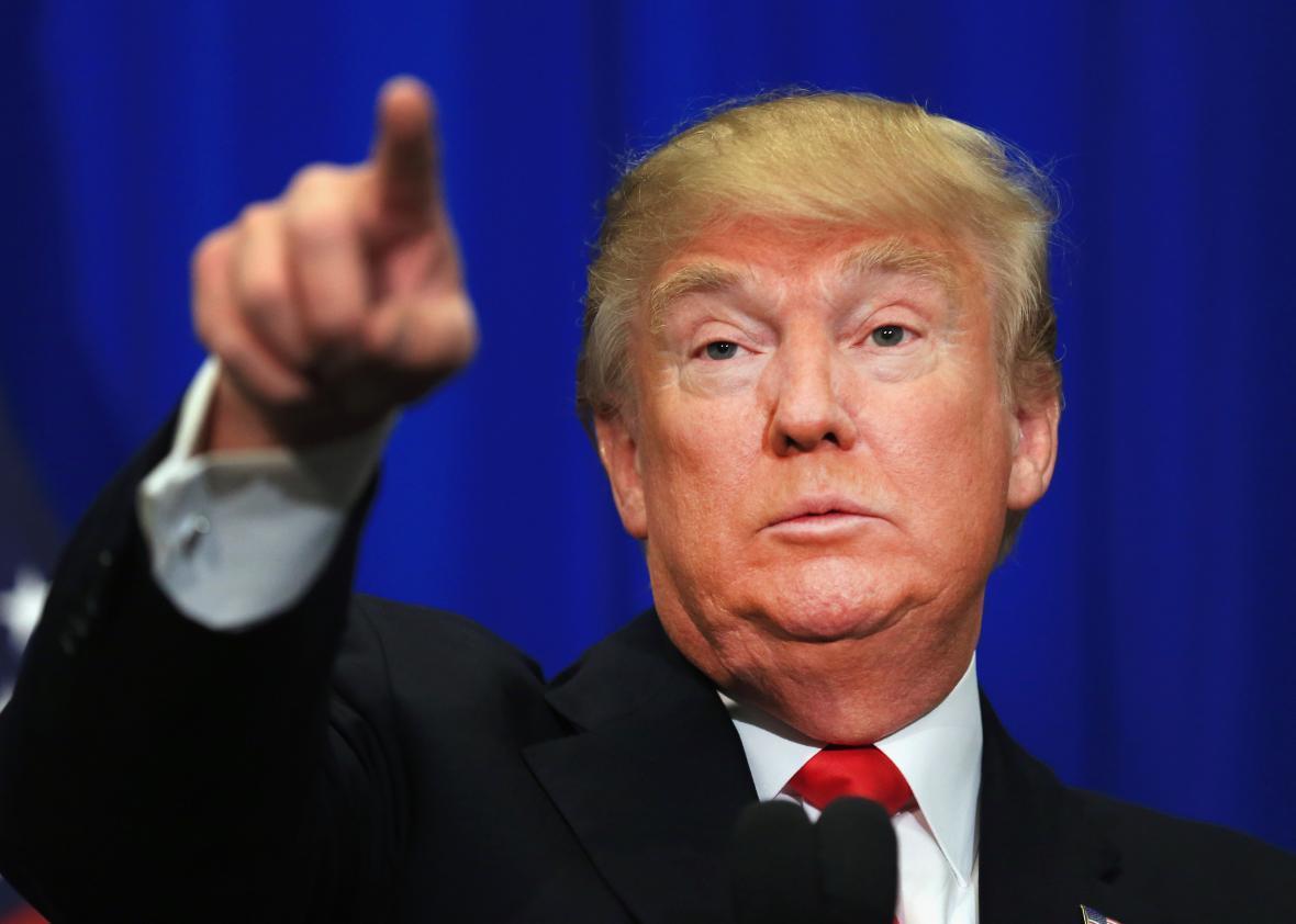 Trump đánh thuế Mexico, lấy tiền xây tường ngăn