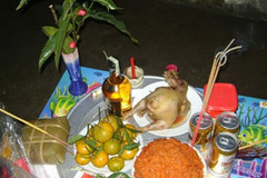 Chọn ai là người làm lễ cúng đêm giao thừa để cả năm đón tài lộc, rước may mắn?
