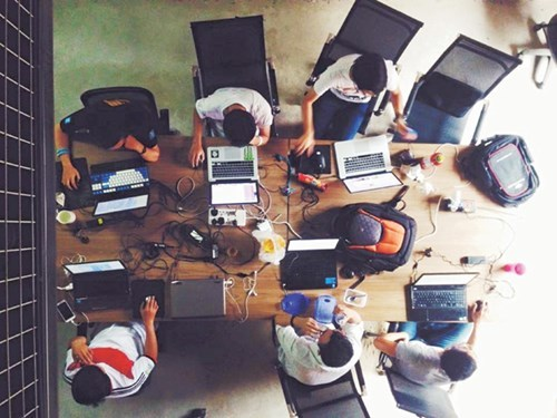 Bỏ dở du học, startup Việt lập công ty 2 triệu USD