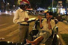 Những phận đời xích lô đón Tết trong đêm ở Sài Gòn