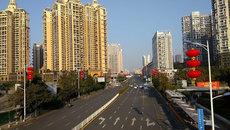 Cảnh vắng vẻ hiếm có ở các đô thị dịp Tết
