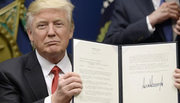 Trump ra sức biện hộ sắc lệnh cấm nhập cảnh