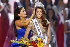 Lệ Hằng trắng tay, Pháp đăng quang Hoa hậu Hoàn vũ 2016
