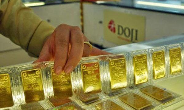 Giá vàng hôm nay 2/2: Tăng dựng đứng 1 triệu/lượng