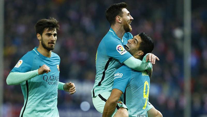 Messi ghi siêu phẩm, Barca bỏ túi vé chung kết