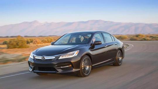 Top 10 mẫu xe tốt nhất cho khách hàng năm 2017