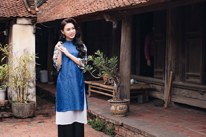 Phùng Bảo Ngọc Vân hóa 'nàng xuân' với áo dài họa tiết