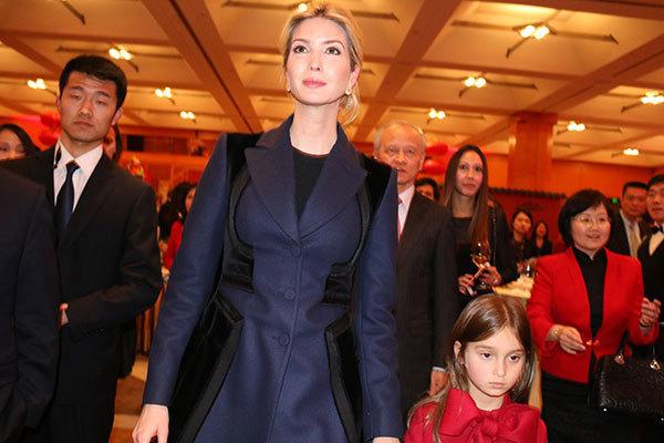Xem ái nữ nhà Trump chúc Tết sứ quán Trung Quốc