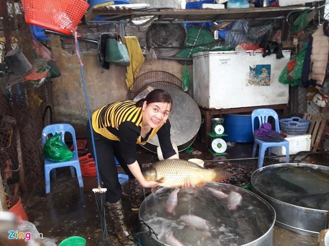Sau Tết, 1,5 triệu đồng một con cá chép vẫn 'cháy' hàng